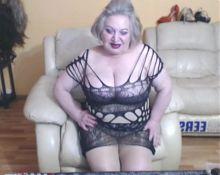 Horny granny flash 2