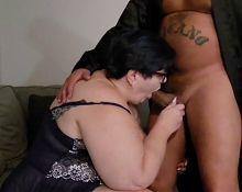 Sexy slut gilf sucking me good